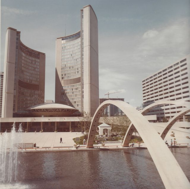 The original Peace Garden at the entrance of Toronto City Hall in 1984